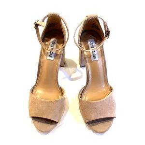 Steve Madden Mirna tan leather block heel sandal 8